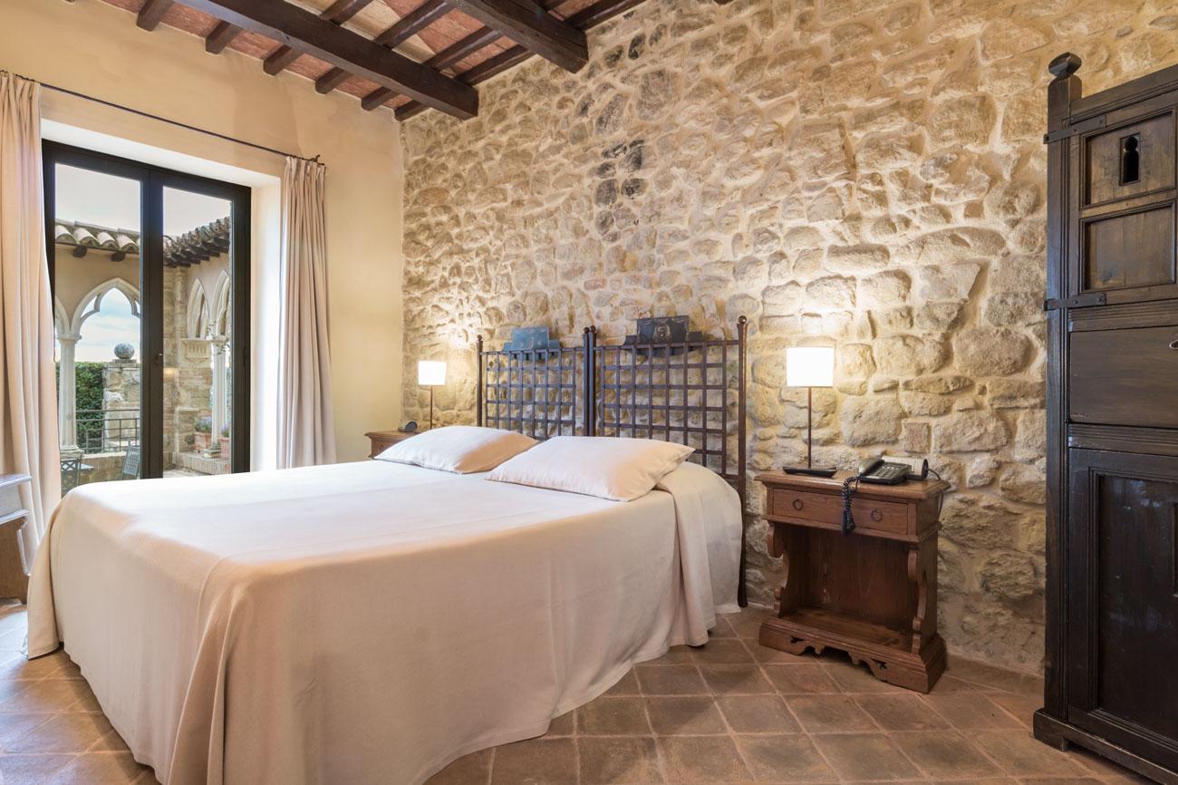 Camere Da Letto Medievali : Camere in un castello medievale trasformato in residenza d epoca